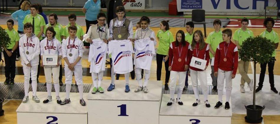 Les jeunes fleuretistes vice champions de France UNSS